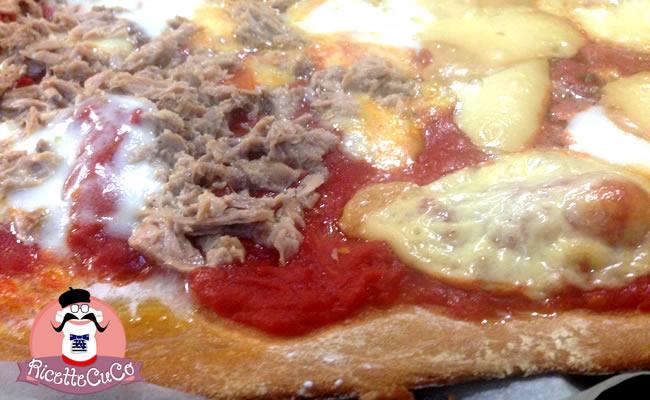 Pizza light senza lievitazione: fragrante e veloce con il Cuisine Companion pizza light leggera senza lievito microonde monsier cuisine moncu moulinex cuisine companion ricette cuco bimby
