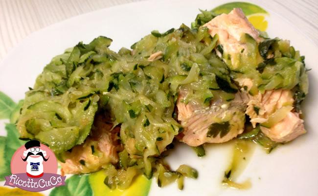Salmone fresco e Zucchine: un piatto delizioso e veloce per piccoli buongustai salmone fresco zucchine bambini pappa svezzamento