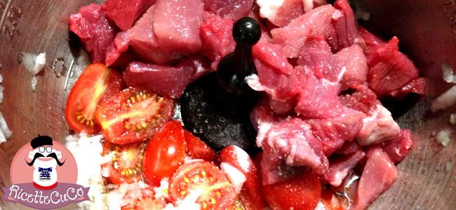 spezzatino carne pomodori datterini buccia monsieur cuisine moncu moulinex cuisine companion ricette cuco bimby