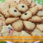 Biscotti di Pasta Frolla Montata con Margarina e Fecola per sparabiscotti con la planetaria
